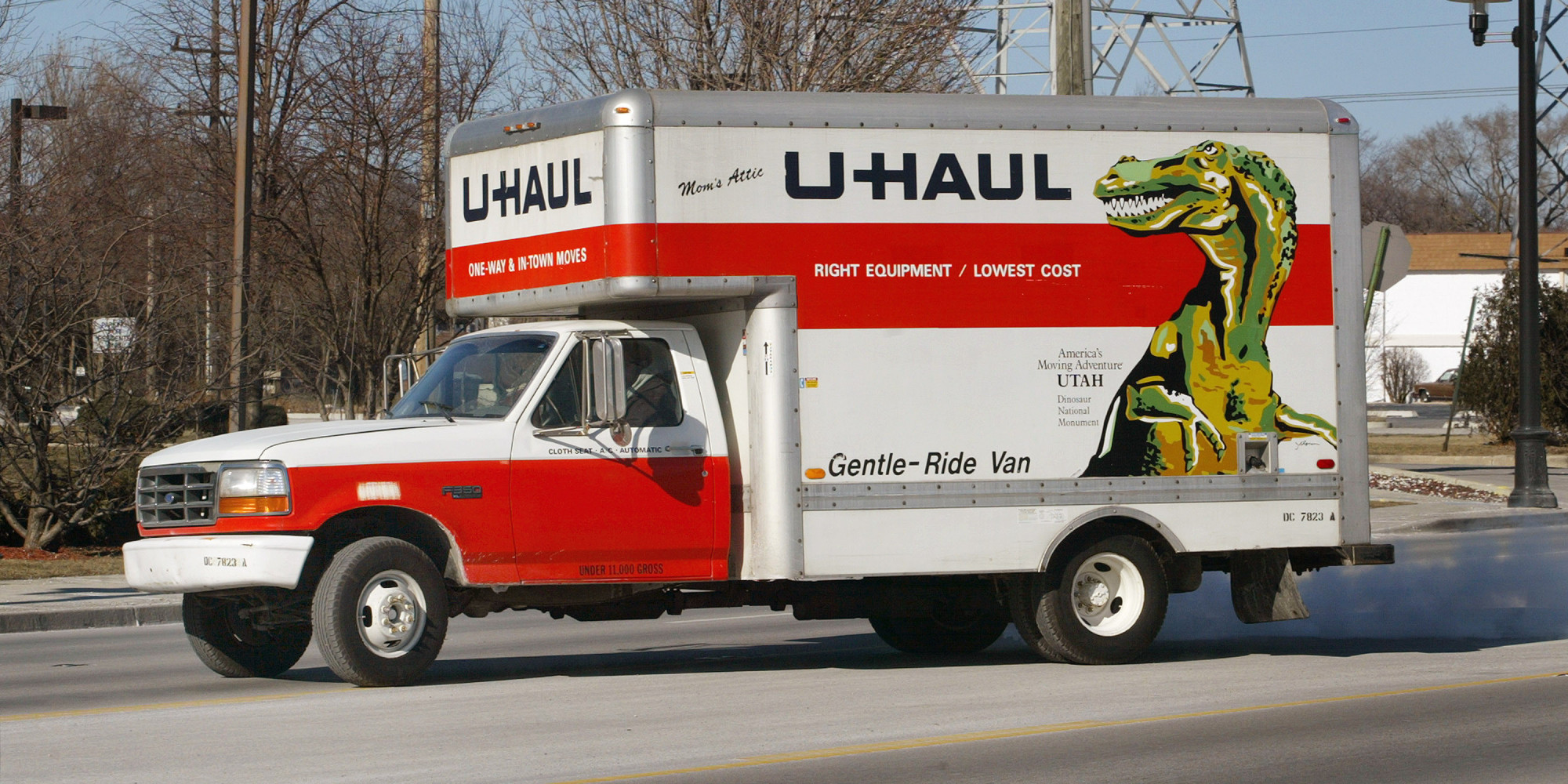 Uhaul - Here S What A Lesbian Shouldn T Bring On A First Date A U Haul Huffpost