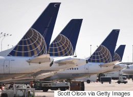 United Airlines bloque des filles en leggings