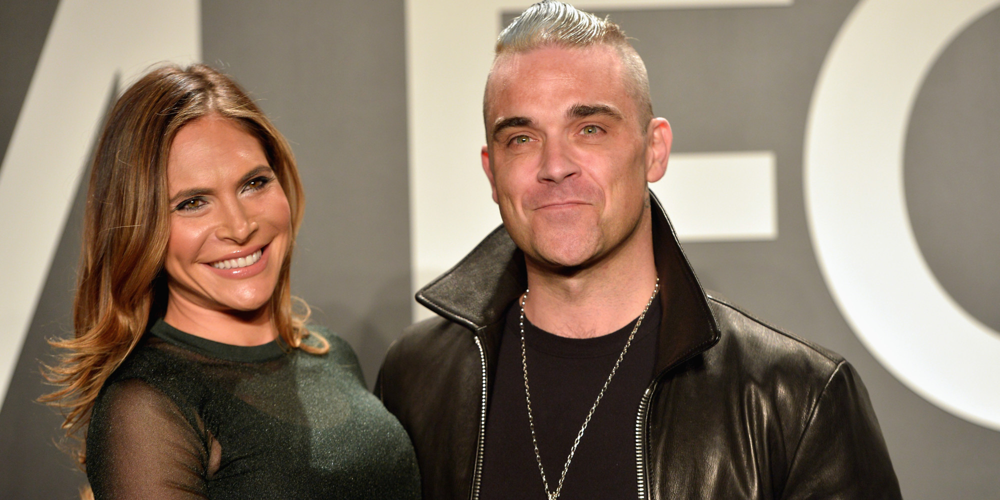 Robbie Williams Sued By Former Assistant Singer S Wife