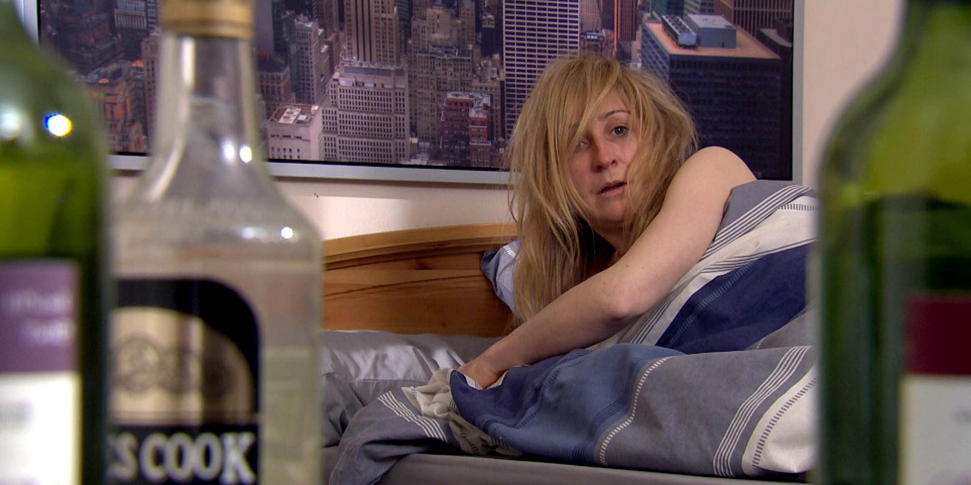 Emmerdale spoiler alcoholic laurel to hit rock bottom pics