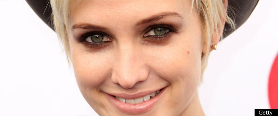 Ashlee Simpson Locks Lips With New Man