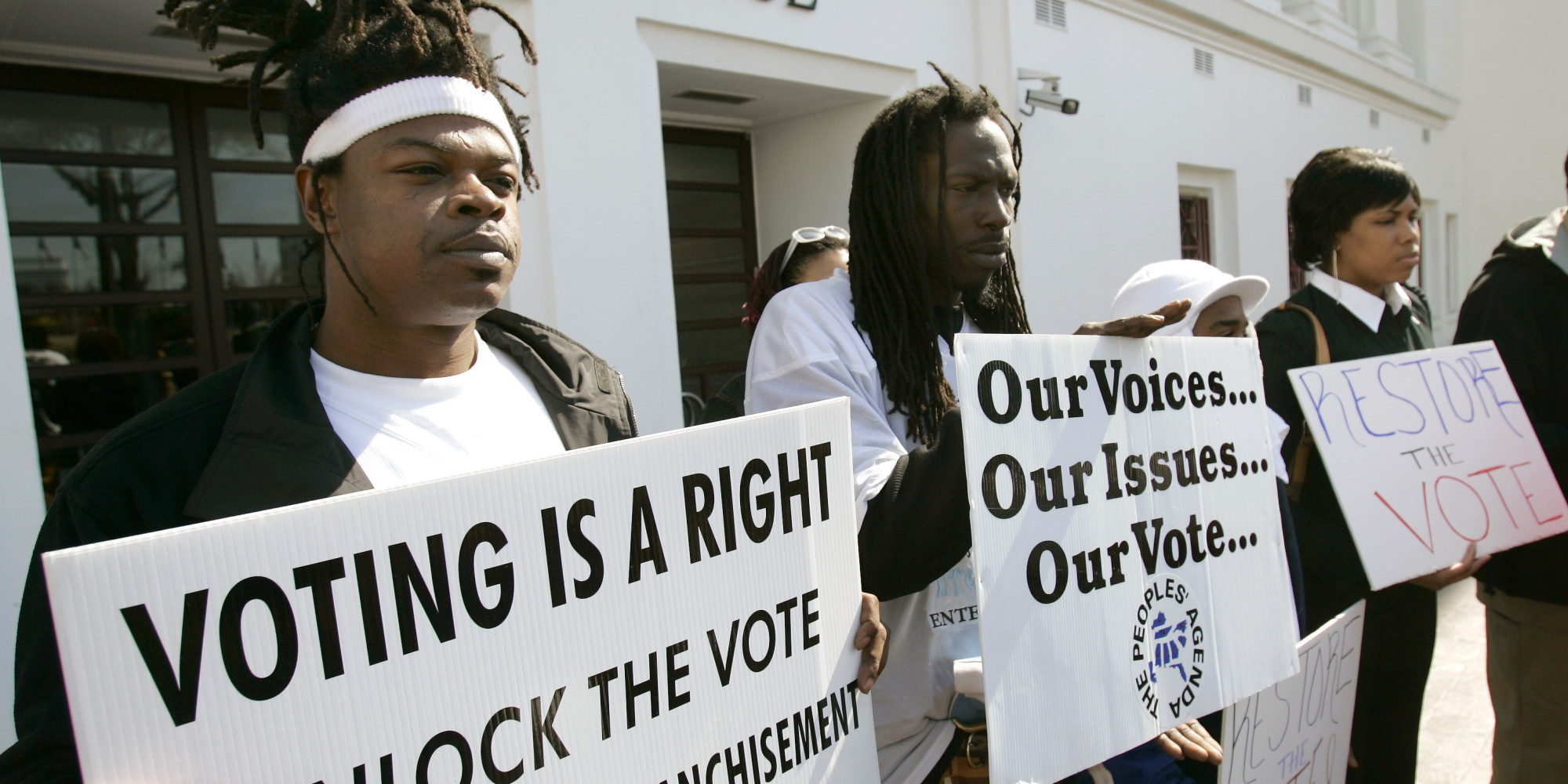 voting rights Us voting rights when the constitution was written, only white male property owners (about 10 to 16 percent of the nation's population) had the vote over the past two centuries, though, the term government by the people has become a reality.