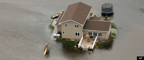 MINOT NORTH DAKOTA FLOODING 2011