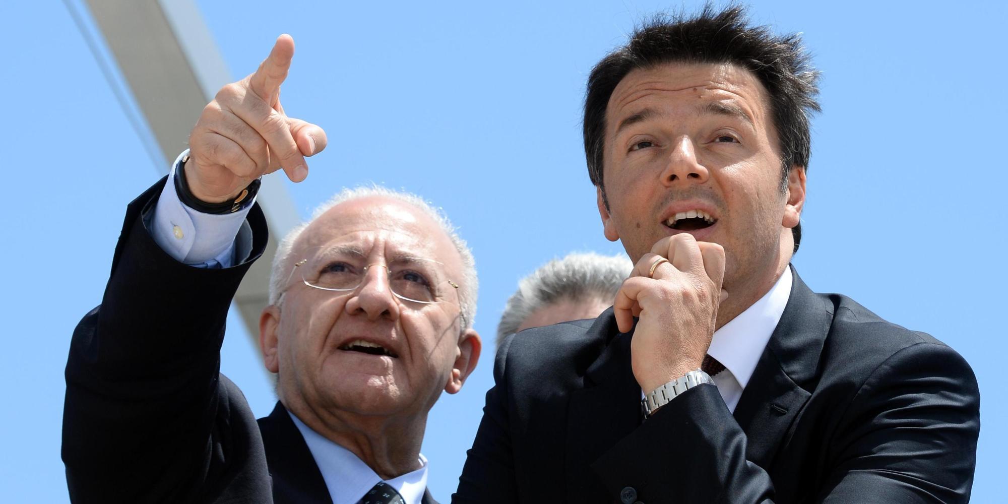 Regionali 2015, Renzi a Salerno sale sul carro di De Luca e si scorda ...: www.huffingtonpost.it/2015/05/22/regionali-de-luca-renzi_n_7422212...