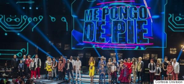 DOS FAMILIAS AFUERA DE 'ME PONGO DE PIE'