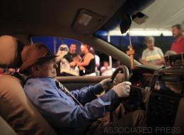 Taxista muerto es velado al volante de su auto en Puerto Rico