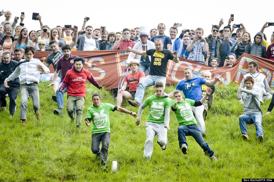 Cheese Rolling Race Looks Like A Dangerous Smelly Way To Spend The Day Huffpost Life
