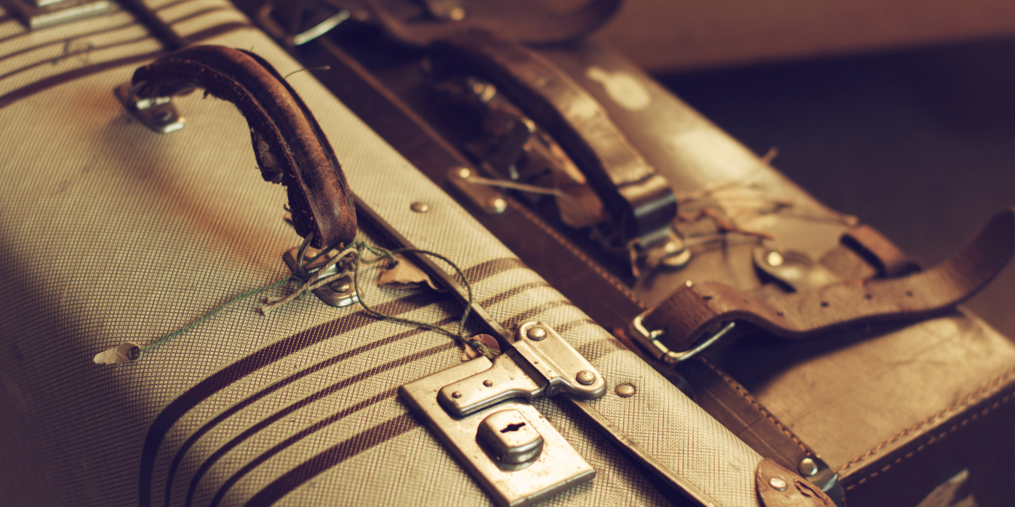 Why It s Always Better To Date Someone With Baggage