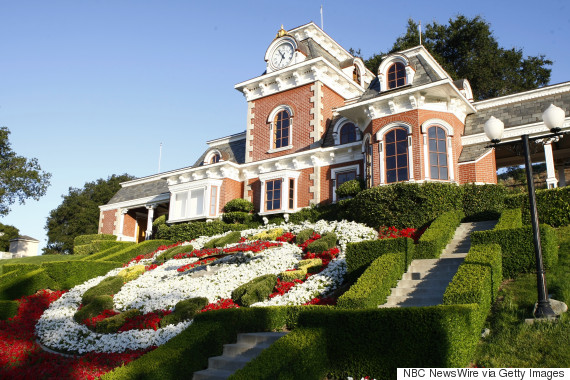 Michael jackson 39 s neverland ranch goes up for sale six for Michael jackson house for sale