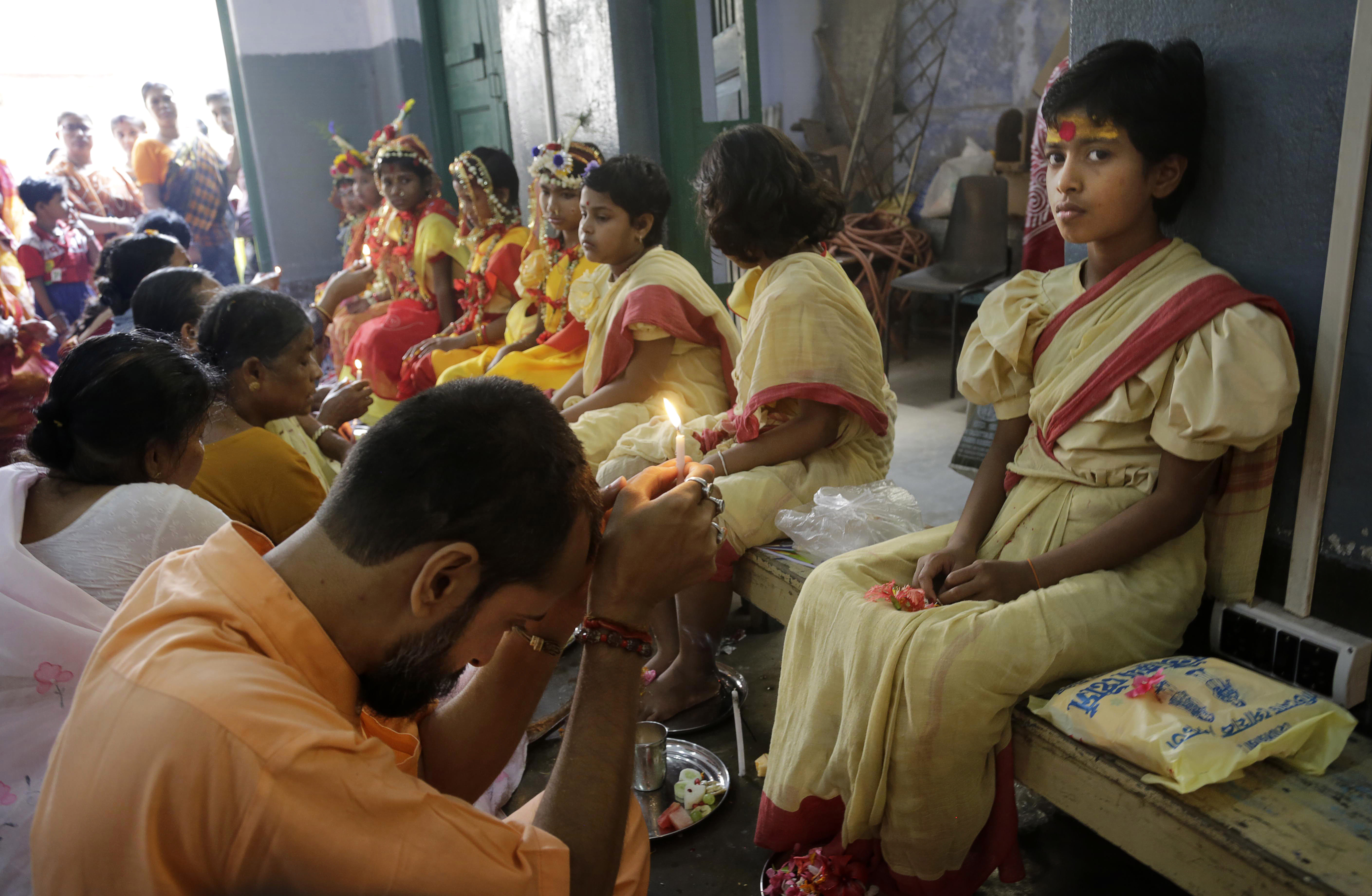 ffe3d8676e05 Και όμως υπάρχουν  Τα 10 πιο παράξενα έθιμα γάμου από όλο τον κόσμο ...