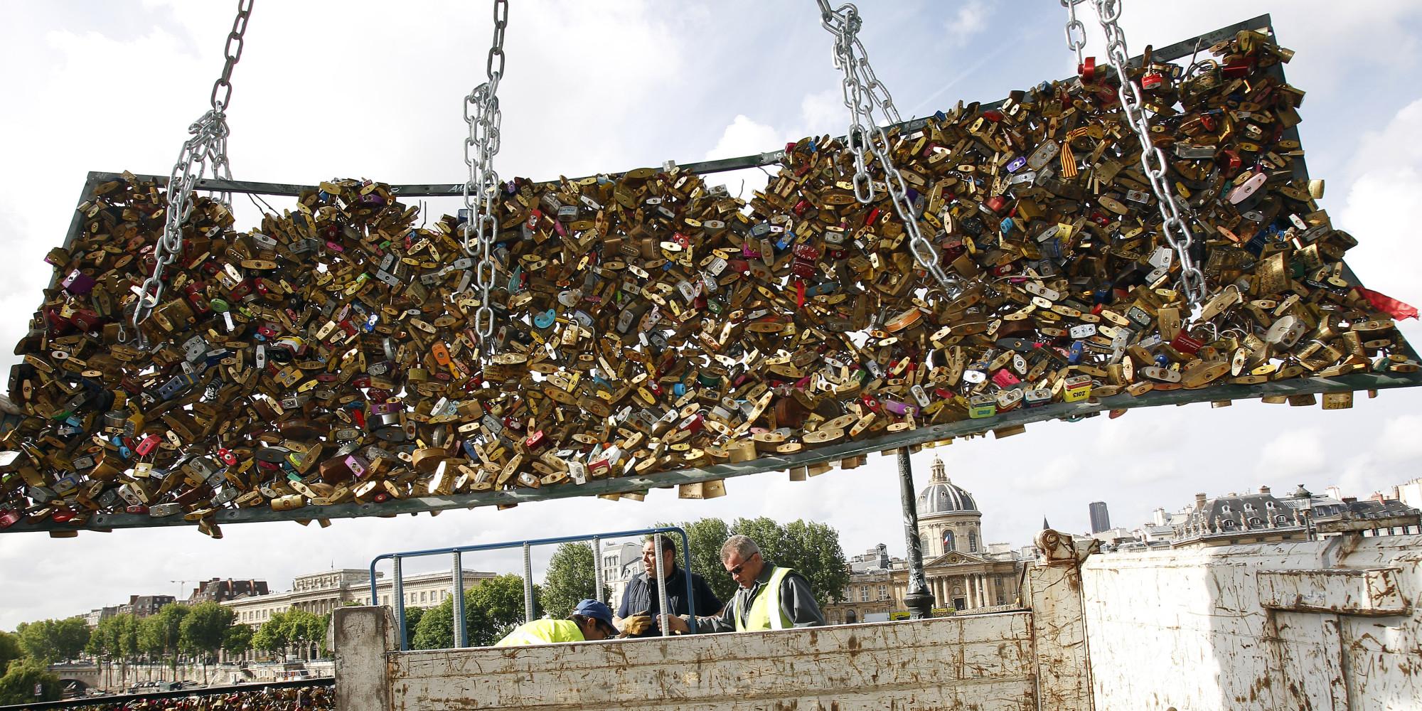 Paris 39 love locks 39 removed from famous bridge as city for The lock bridge in paris