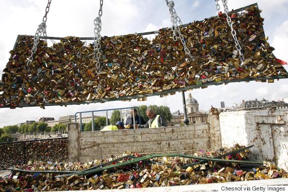 paris bridge locks