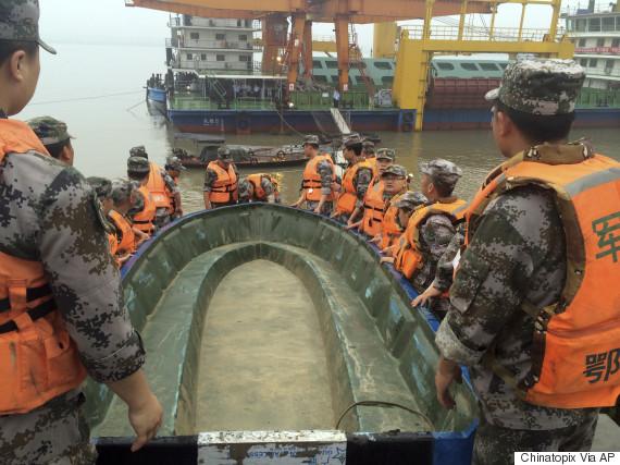 china boat sink yangtze
