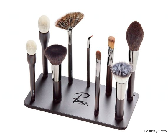 Magnetic Makeup Brushes Are The Beauty Product You Never