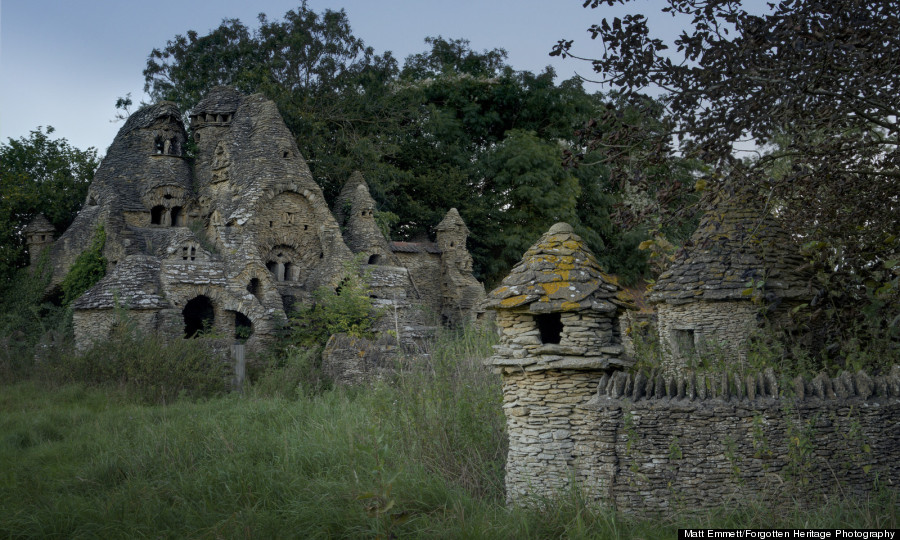 Abandoned Castles, Châteaux And City Halls Showcase The