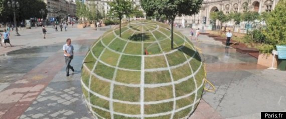 Paris Optical Illusion