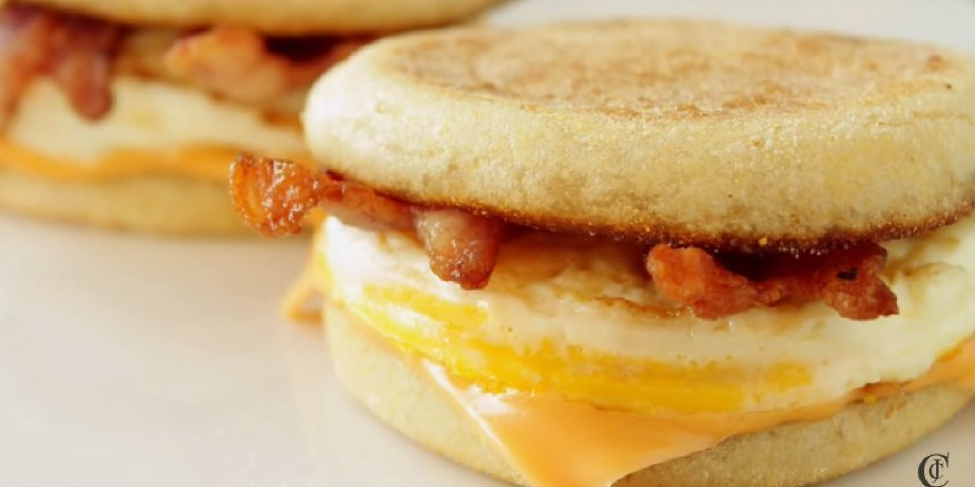 How To Make A Bacon And Egg McMuffin At Home | HuffPost UK