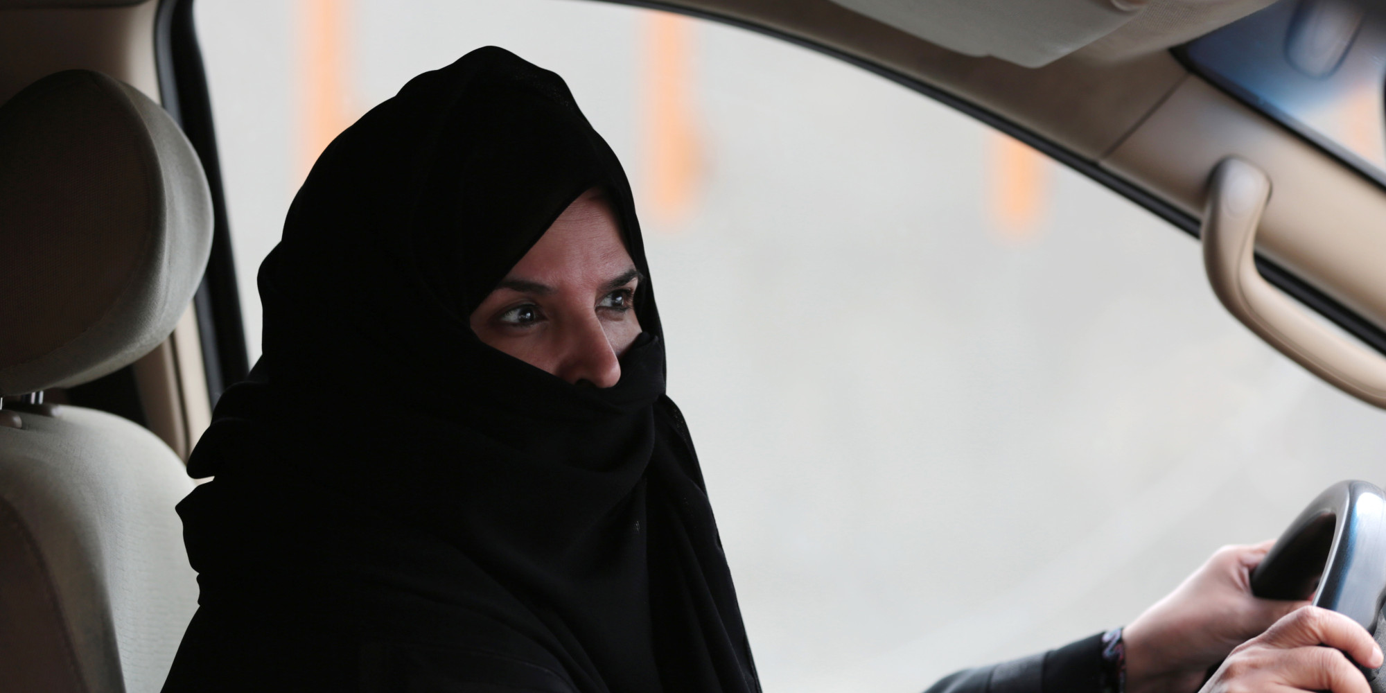 saudi arabian women Saudi women rarely wear  khashoggi points out that trump is an extreme right wing populist who probably only thinks of the arabian gulf  saudiwoman's weblog.