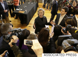 Journalists Meet With Clinton Campaign Officials Over Access Concerns