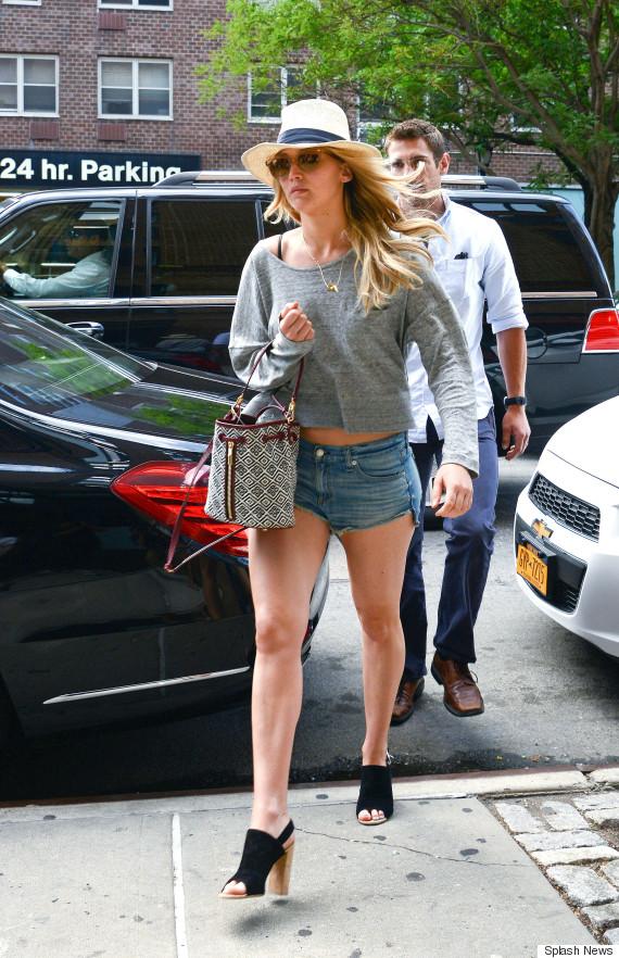 jennifer lawrence rocks short shorts for apartment hunting