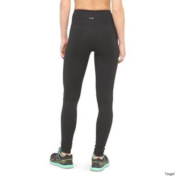 Your Guide To Choosing The Perfect Pair Of Yoga Pants | HuffPost