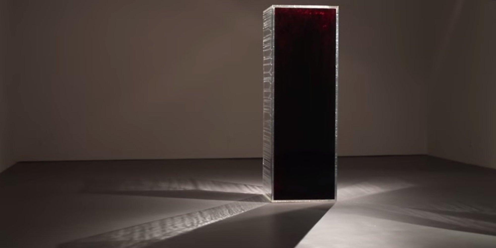 39 blood mirror 39 art installation draws attention to fda gay for Mirror installation