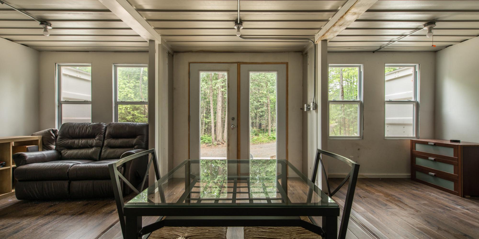 un homme d 39 ottawa a construit une maison conomique pour que les gens puissent se lib rer de. Black Bedroom Furniture Sets. Home Design Ideas