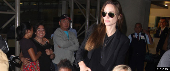 ANGELINA JOLIE AIRPORT STYLE
