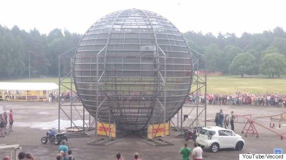 worlds biggest cage