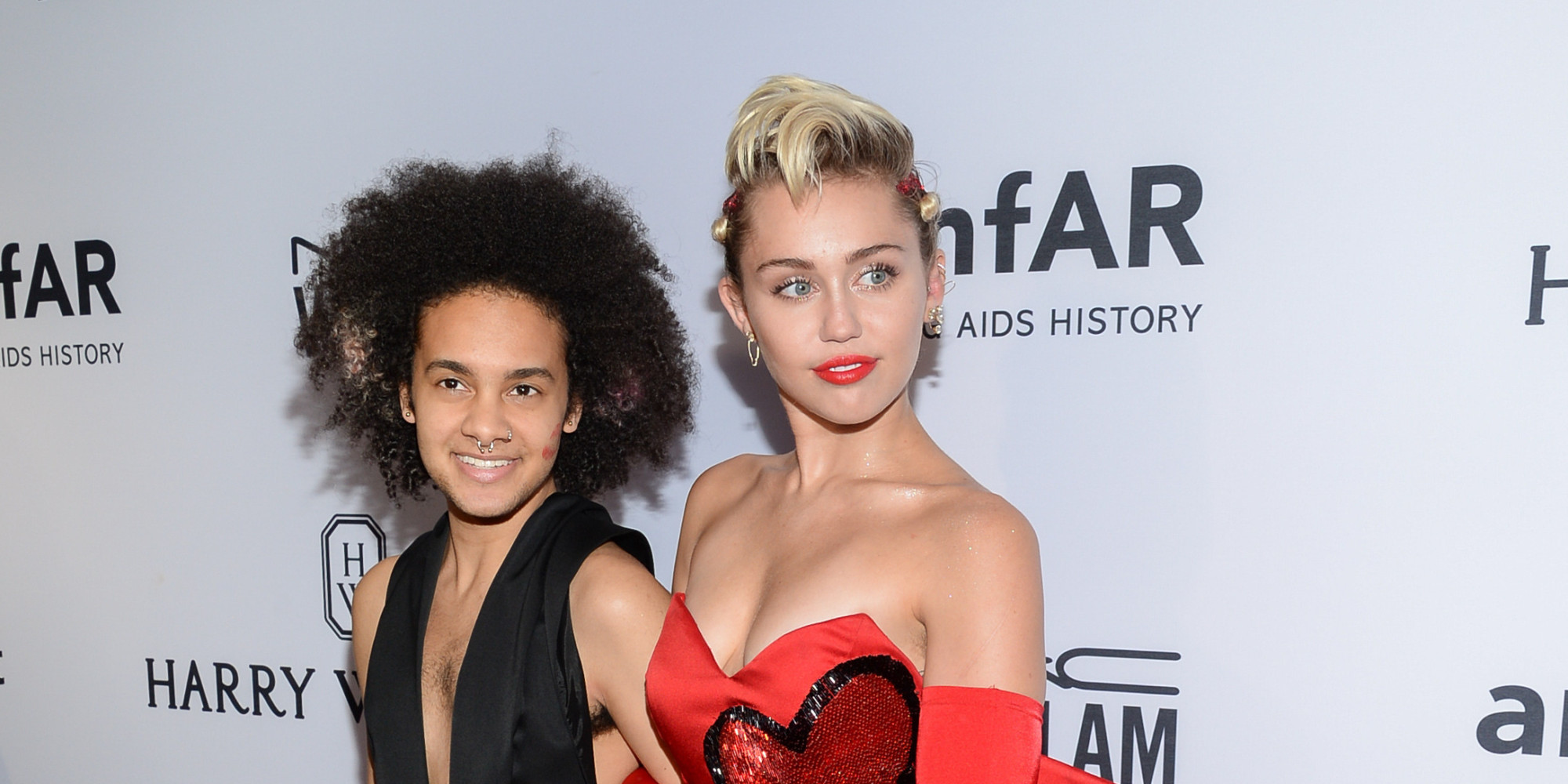 thesis statement about miley cyrus If you ask noah cyrus, miley cyrus hasn't changed one bit as the red carpet opened up at the 2017 billboard music awards, several cyrus family members appeared ready to enjoy a star-studded .