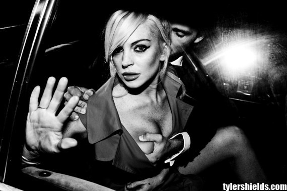 Lindsay Lohan Boob Grab 70