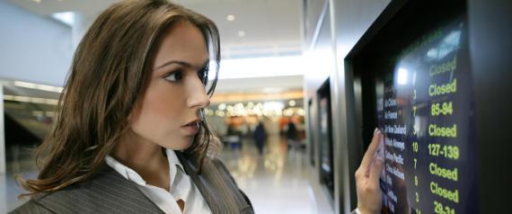 donna aeroporto tabellone