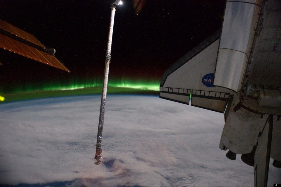 Nasa camera captures stunning southern lights from international space