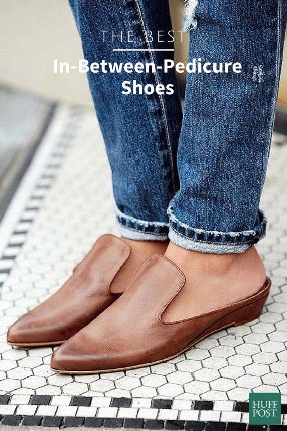 closedtoed sandals