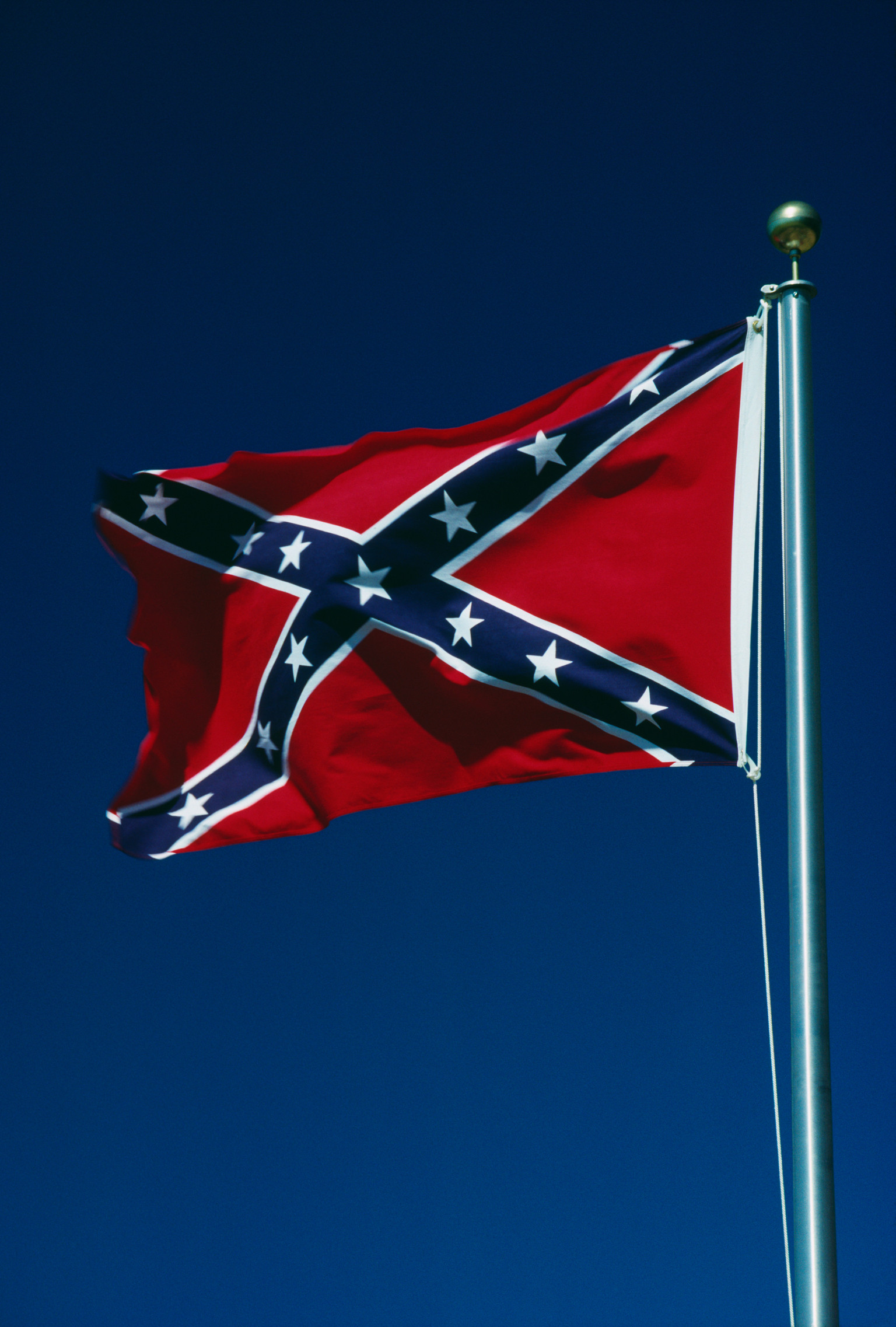 the confederate flag An image circulating online promotes the claim that the colors of the confederate battle flag were chosen for their religious meanings, but that interpretation runs counter to historical.