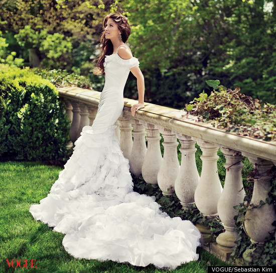dylan lauren 39 s ralph lauren wedding dress unveiled in vogue photo
