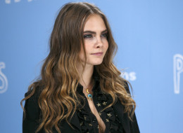 Dear Vogue, Cara Delevingne's Bisexuality Is Not A 'Phase'