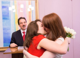 19 City Hall Weddings With Tiny Guest Lists, But Lots Of Heart