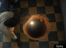 (PHOTOS) Giant Sinkhole Found Under Guatemala City Woman's Bed