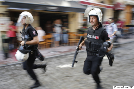 Images Istanbul Police Clear Gay Pride March With Water Cannons, Rubber Bullets 3 gay pride parade