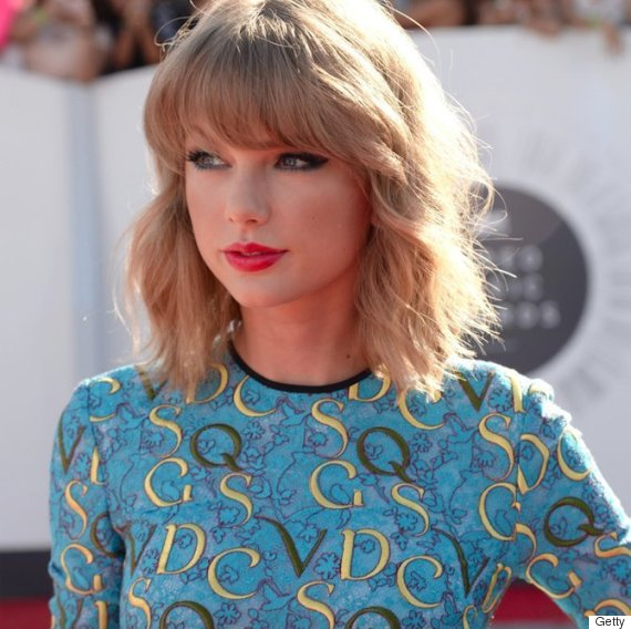 Stupendous Taylor Swift Lob Haircut How To Get The Long Wavy Bob Look At Hairstyle Inspiration Daily Dogsangcom