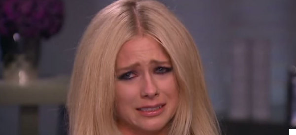 Avril Breaks Down On US TV During Interview About Illness
