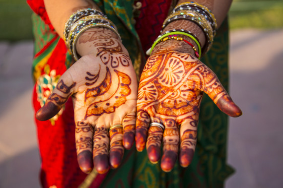 Mehndi Patterns History : What henna is and where these beautiful tattoos