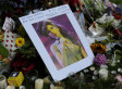 Amy Winehouse Died: Fans Flock To Her Home, Pay Tribute