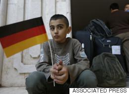 히틀러 최측근의 딸, 시리아 난민과 함께 살다