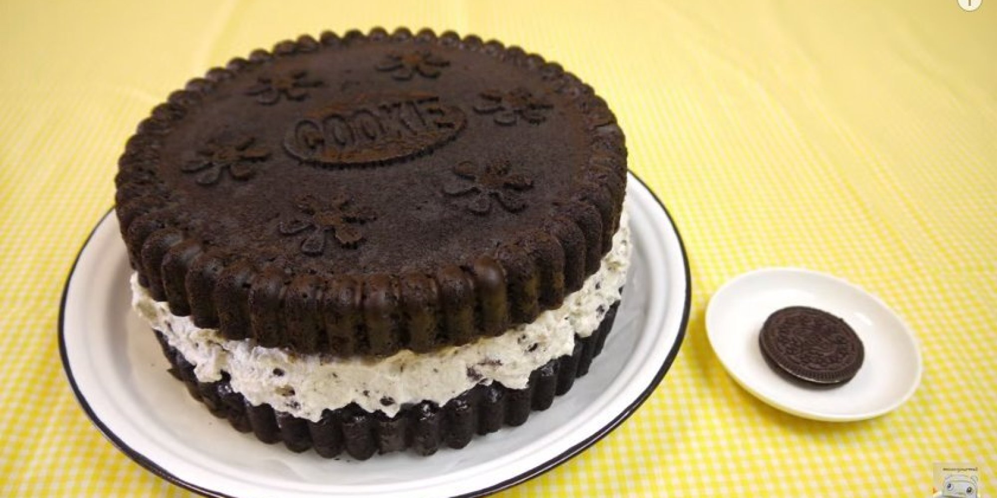 How To Make A Giant Oreo Cake At Home (Or Just Watch In Awe)
