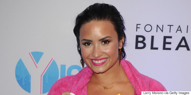 Demi Lovato Handles A Wipeout Like A Pro