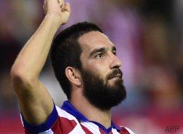 El Barcelona confirma el fichaje de Arda Turan