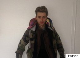 Boyband Singer Collapses On EasyJet After Donning 12 Layers Of Clothes To Avoid Luggage Fee
