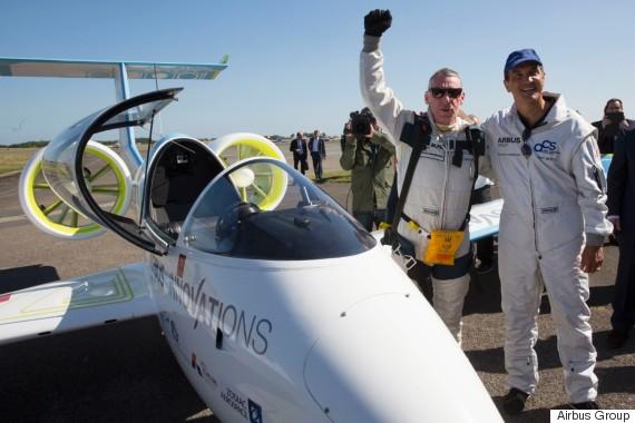 electric plane pilot didier esteyne